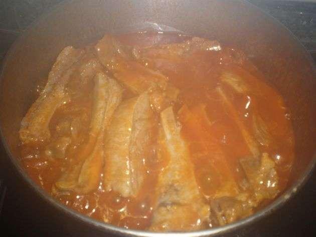 costillashirviendo - Costillas de cerdo, hervidas con tomate